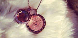 mi moneda chain and pendant