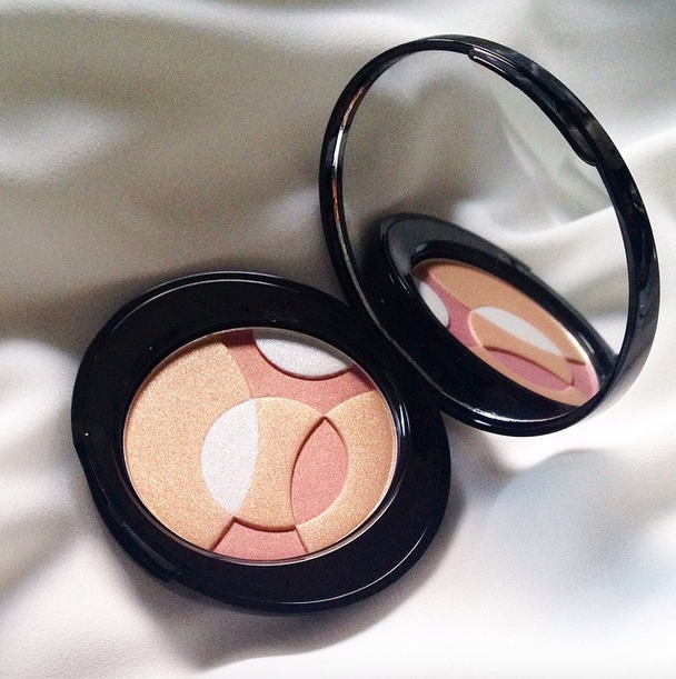 No7 radiant spheres highlighter