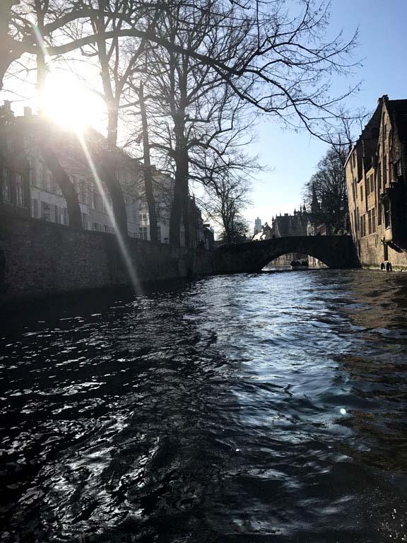 canal-boat-bruges-2