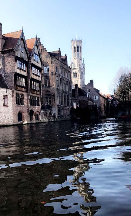 canal-boat-bruges-5